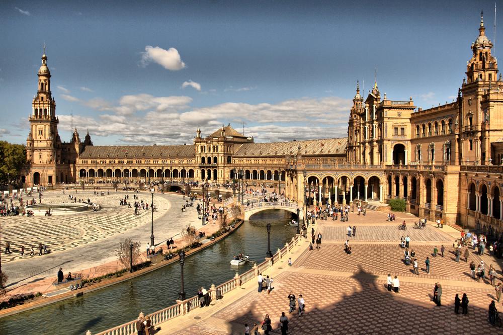 Hollywood, History and the Majestic Plaza de España